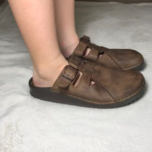 Birkenstock Shoes - Birkenstock Boston leather clogs size 10 women/8M